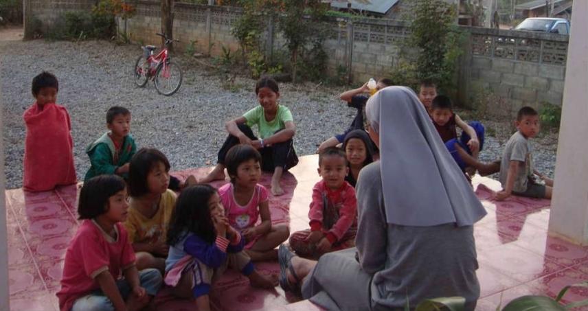 """CHIANG SAEN - """"Casa Lilia"""" casa de acolhida para jovens estudantes de várias aldeias – Evangelização nos bairros"""
