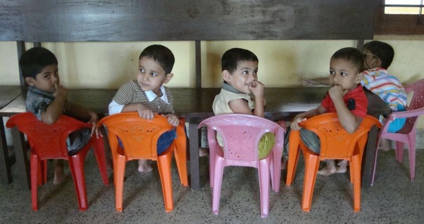 KUDAYAMPADY (Kerala) - Internato e Escola